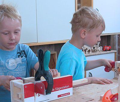 In der Werkstatt von Holzandi in Ströbeck