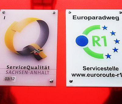 Hinweisschild Servicestelle R1