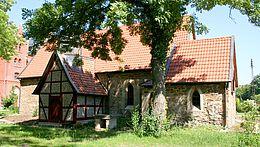 Die St. Georgii Kapelle in der Gartenansicht