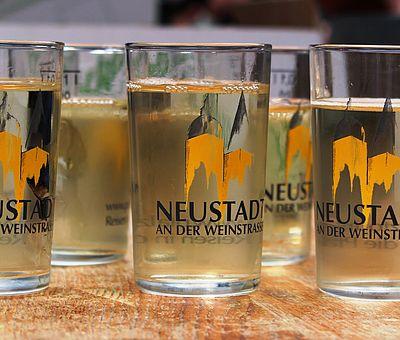Weingläser zum Neustadter Weinfest in Wernigerode