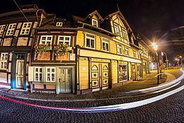 Das Kleinste Haus in Wernigerode im Nachtlicht