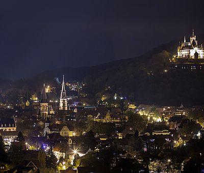Blick über Wernigerode bei Nacht