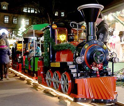Lokomotive auf dem Weihnachtsmarkt