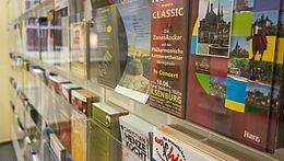 Prospekte in der Tourist-Information Wernigerode