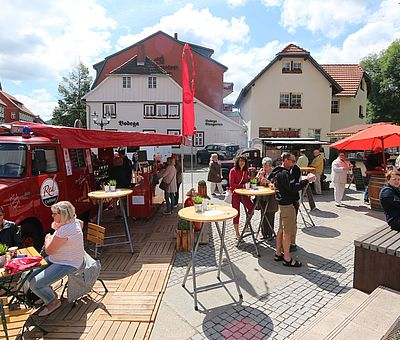 Stände zum Rathausfest an der Blumenuhr Wernigerode